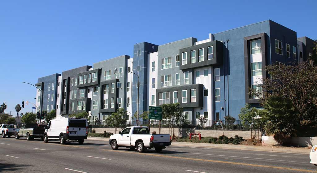 601 W. El Segundo Boulevard property image.