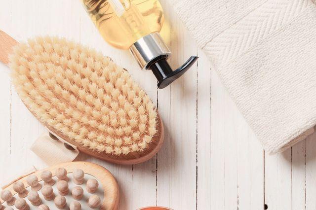 Quick Tip – Dry Skin Brushing- An Energizing Cleanse