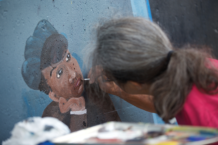 Artist enlists community to illustrate Dowagiac's past
