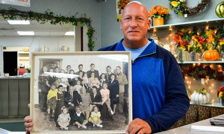 Niles man uses flowers to express his creativity, family history