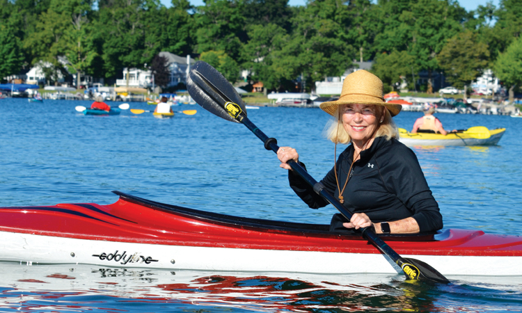 Summer residents bond during early-morning kayak adventures