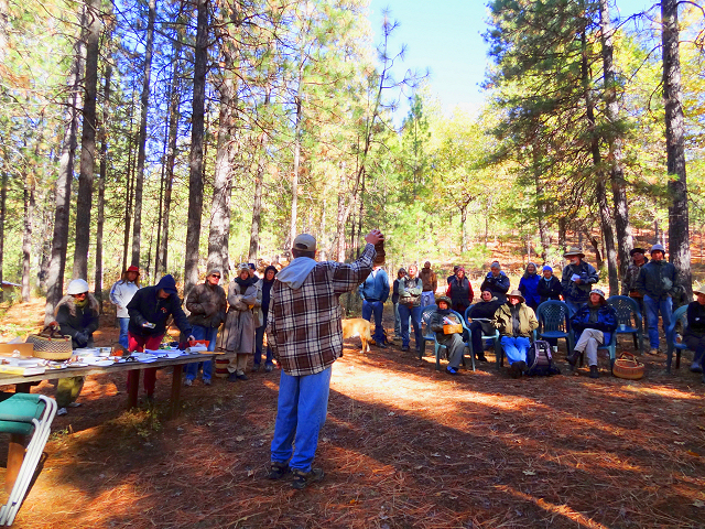 Image of Mushroom Talk at Boggs Mountain with Darvin DeShazer and audience