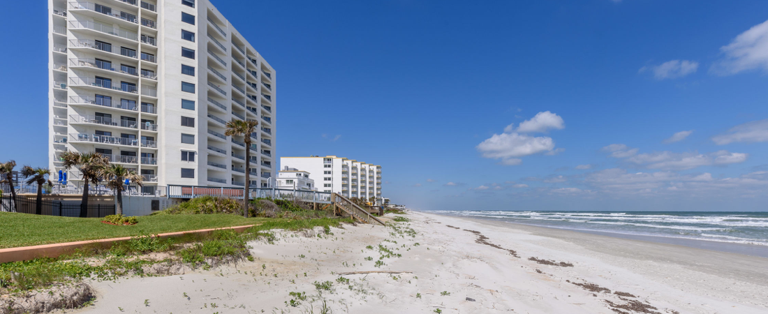 Gorgeous beach-front location in New Smyrna Beach
