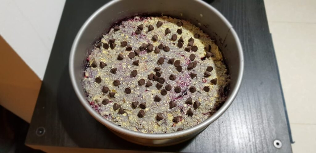 oatmeal bars with blueberry jam filling