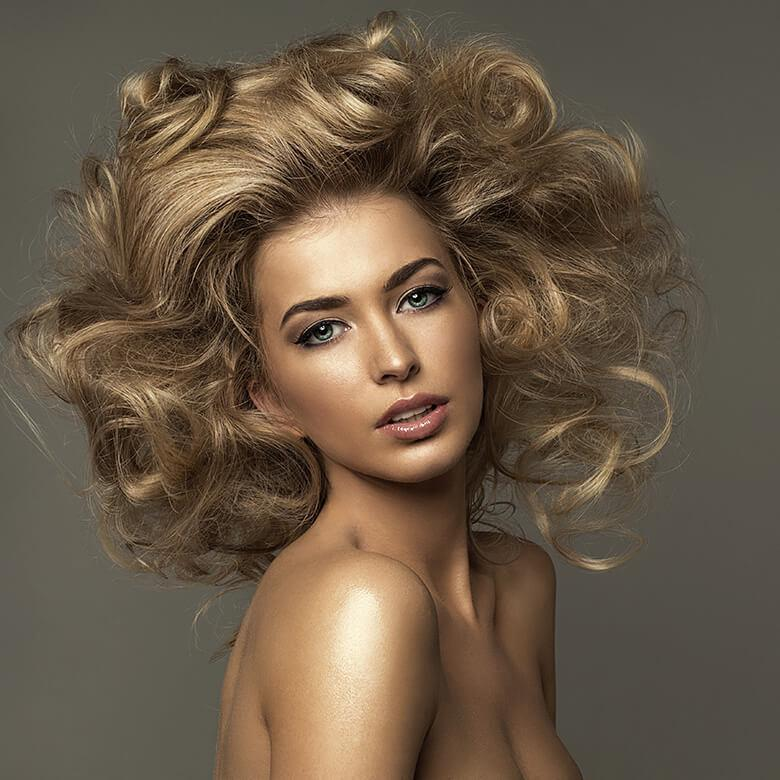 Le joli salon women hair style
