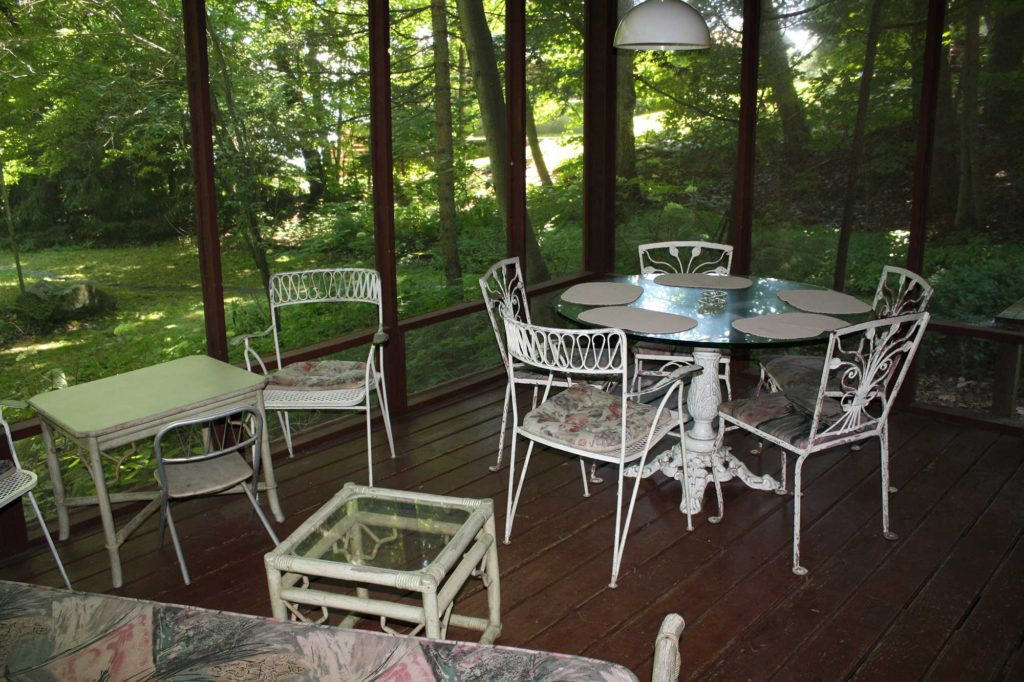 Screened-porch-2