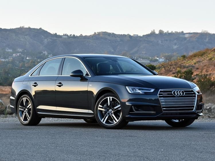 2017-Audi-A4-20T-quattro-front-view-in-motion-02
