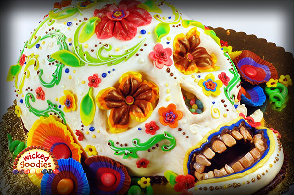 How to Decorated a Cake with Creepy Edible Teeth