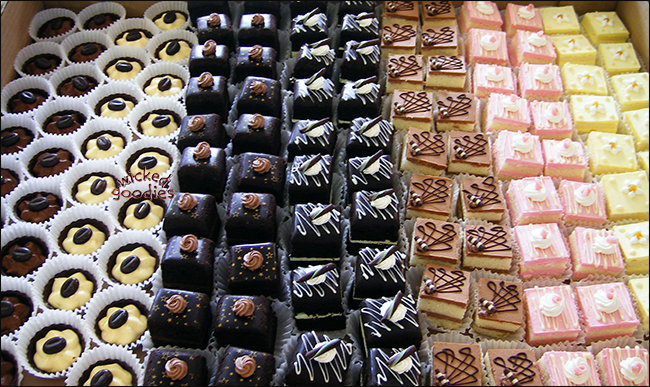 Mini Pastries Petit Four