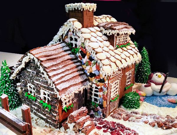 Gingerbread Ice House Made by Annie Villeneauve