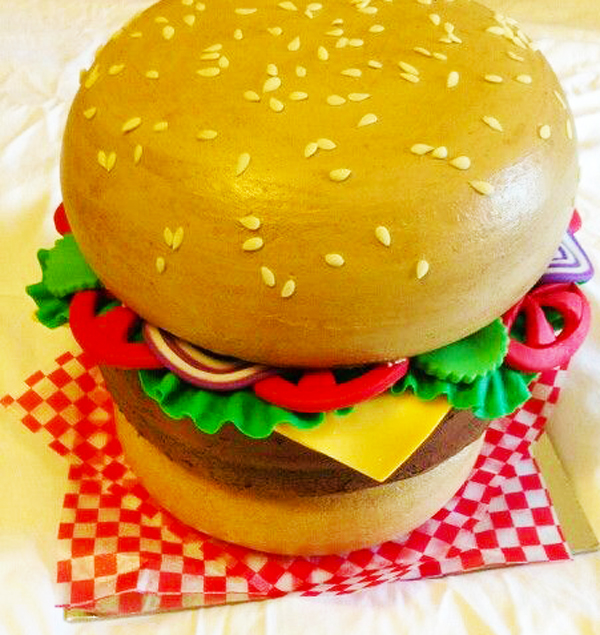 3D Cheeseburger Cake made by Jan