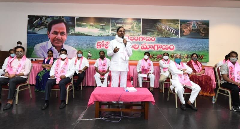 At present there is no idea of a national party-KCR