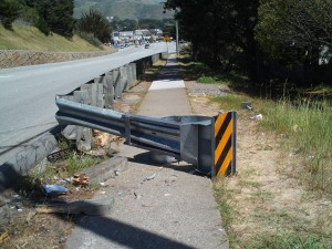 The guardrail on Hickey Blvd at Hilton after an accident on Saturday evening.  Photo: Ava Romero