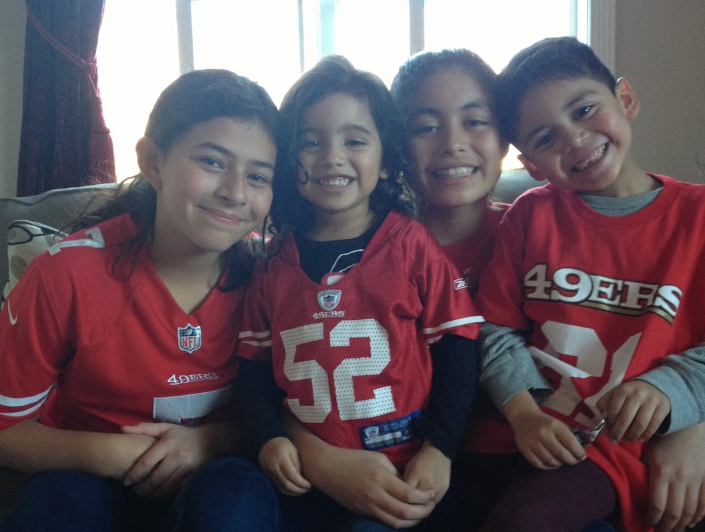 It's a family thing- 49er Spirit Photo; Milvia Alfaro