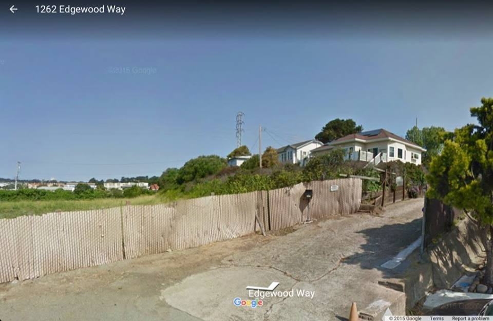 1256 Edgewood Way before construction as you can see the yard extended with a gentle slope covered in vegetation to prevent erosion. Photo: Google