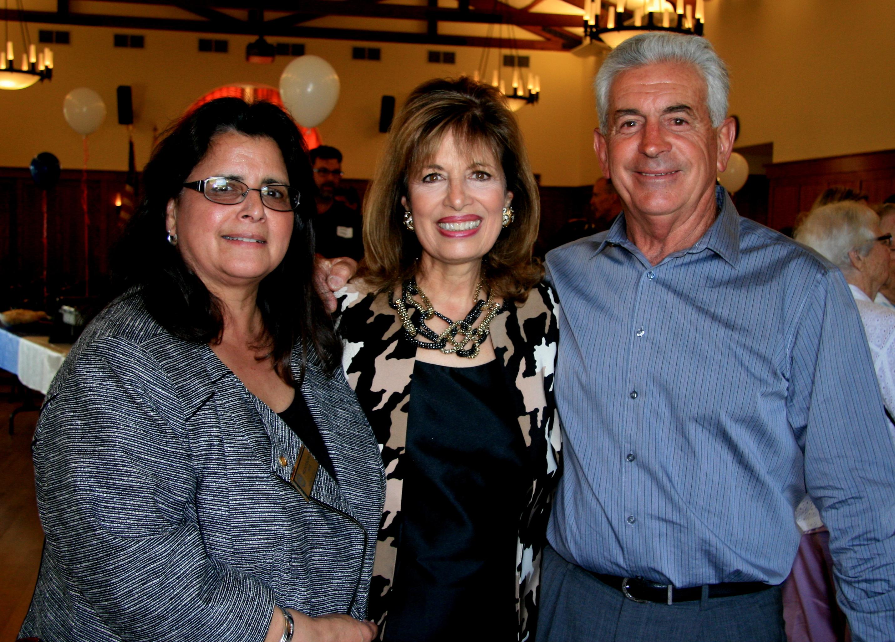 Helen, along with her Dennis Fisicaro pose with  Congresswoman Jackie Speier
