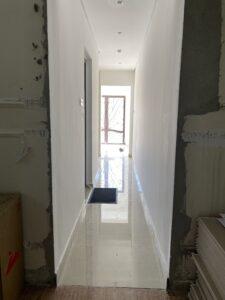 عمل ممر للصالة بين المجلسين، الجزء المتبقي بعد تصغير الحمام في الشامخة
