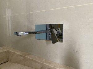 تركيب المكسرات الحديثة المخفية داخل الجدران