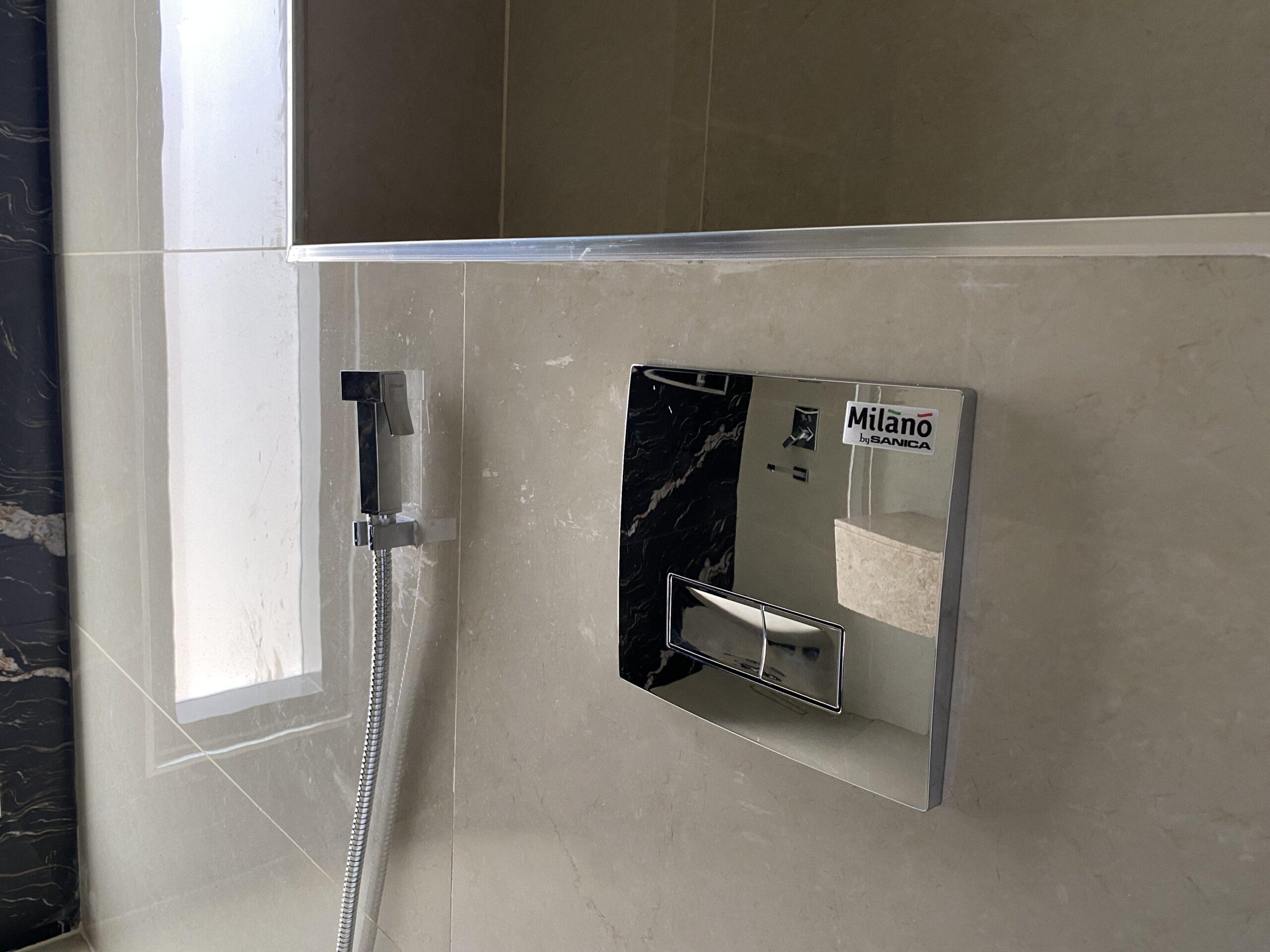 تركيب خزان ماء الحوض داخل الجدار