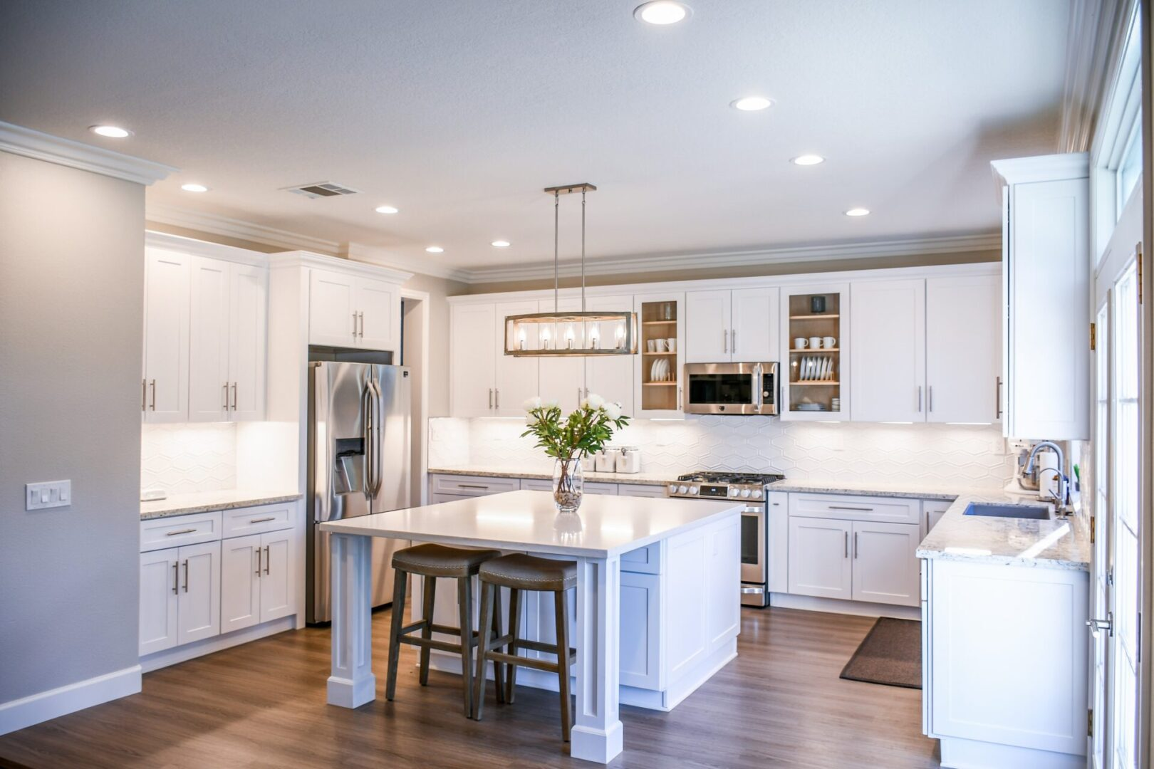 kitchen-with-furniture-and-appliances-2724748