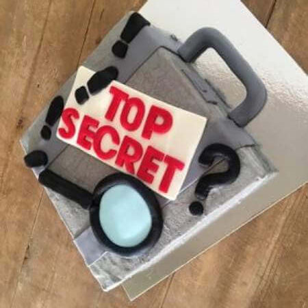 spy-cake-kit-table-back-450-1