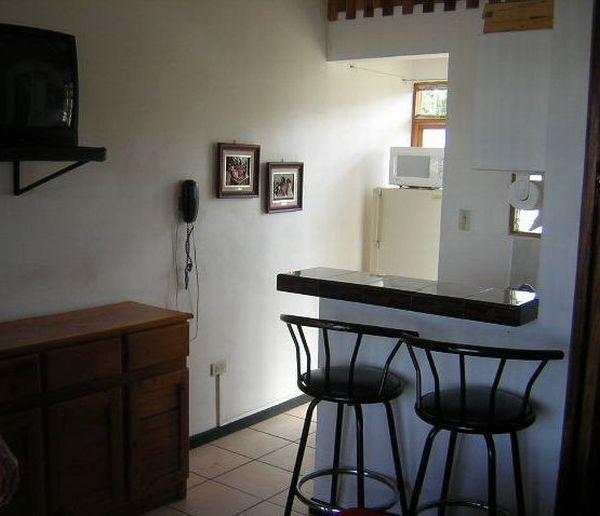 apartment-amarillos-breakfast bar-Ciudad Colón-Costa Rica