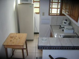 apartment-amarillos-kitchen-Ciudad Colón-Costa Rica