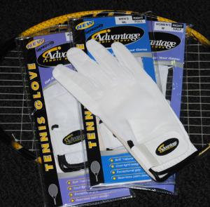 advantage-tennis-gloves