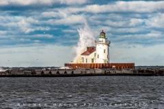 Cleveland_Lighthouse_Wave