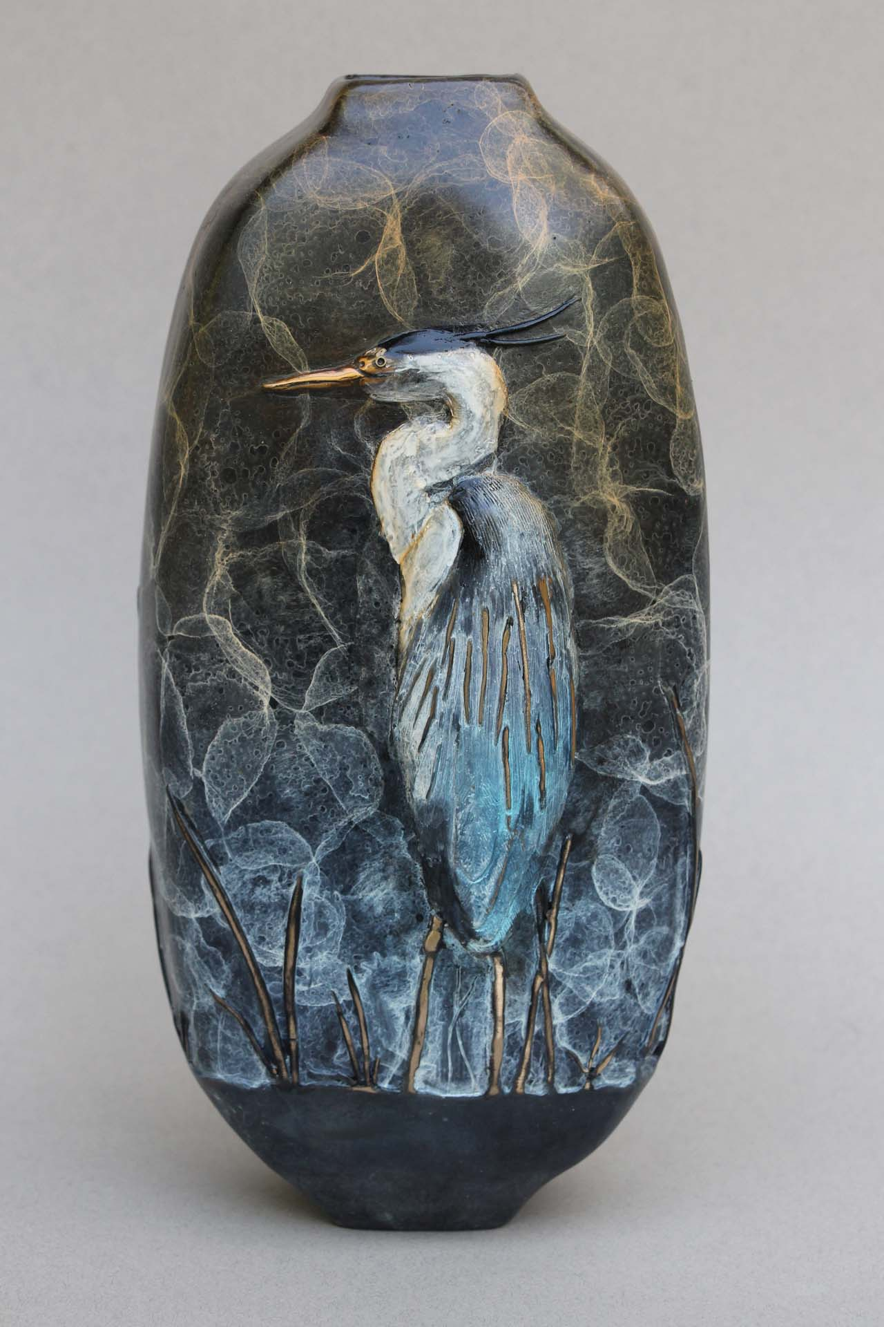 Side 2 of the Great Blue Heron vase. The Blue Heron is in a relaxed position.