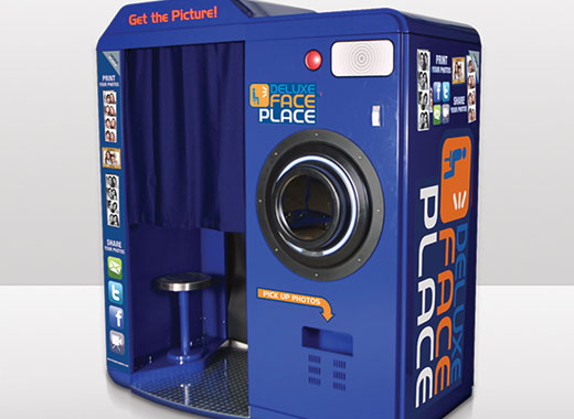 Face Place Deluxe Photo Booth