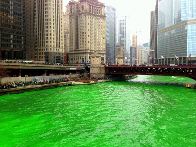 GREEN CHICAGO RIVER ON ST PATS