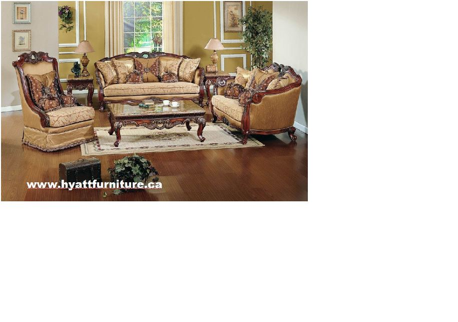 Beautiful triditional Showwood Sofa Set