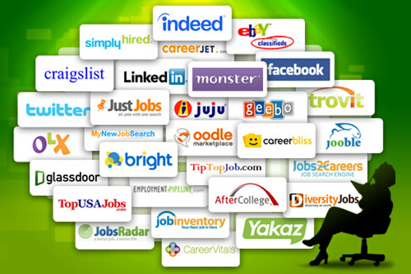 Posting Your Resume Online: Risks vs. Rewards - Job search, Interview, CV, Resume, Resume Writing Service, Cover Letter, Resume Templates, Job Offer, Salary Negotiation, Job Hunting, Job Board, Career Counseling, Resumes That Work; Social Media, Career Fair, Job Interview, Resume eBook; Boss, Career, Employee, Employer, Employment, Phone Screen, Unemployment, Vocation, Work, Internet, Online, Job, Remote Work, Occupation, Application, Co-Workers, Male, Female, Recession, Fired, Economy, Hiring, Wage, Salary