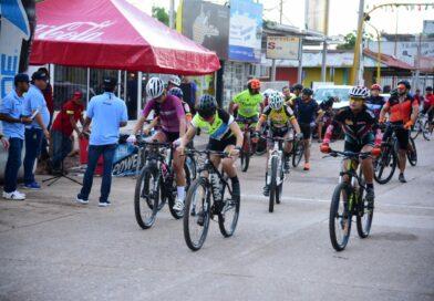 Celebran carrera ciclista de la Independencia 2019