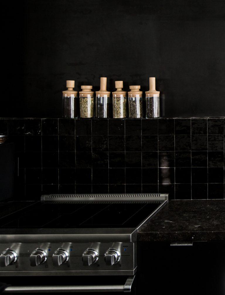 all-black-studio-kitchen-hollis-joliet-7-768x1006