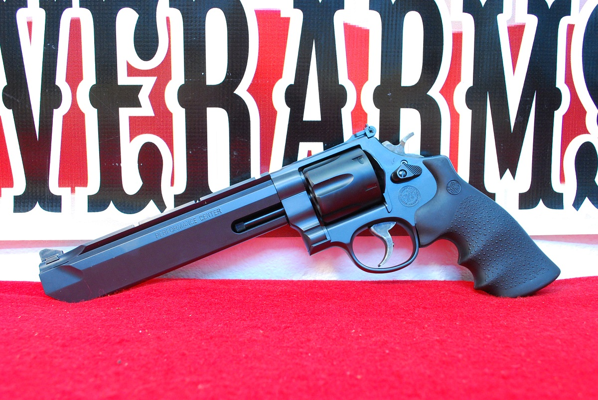 Smith & Wesson Model 629 Stealth Hunter Revolver .44 Mag