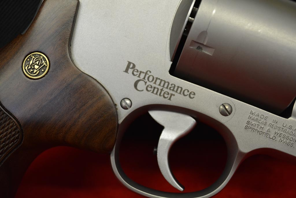 Smith and Wesson Revolver 629.44 Magnum Performance Center