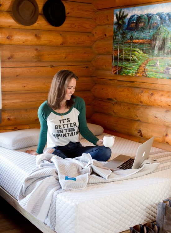 Jackson Hole blogger reviews Leesa Mattress for cabin living