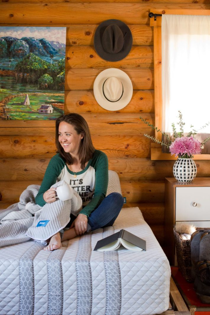 Jackson Hole blogger reviews Leesa Mattress for cabin living