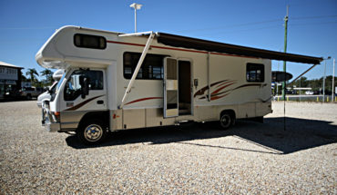 2005 Isuzu Winnebago Alpine
