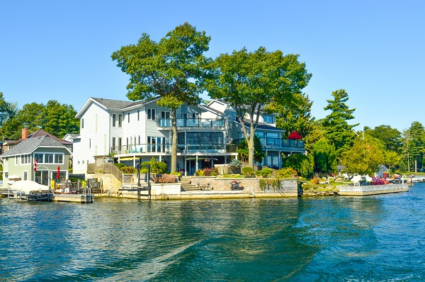 Cable Railings and Waterfront Properties Go Together Like Peanut Butter and Jelly