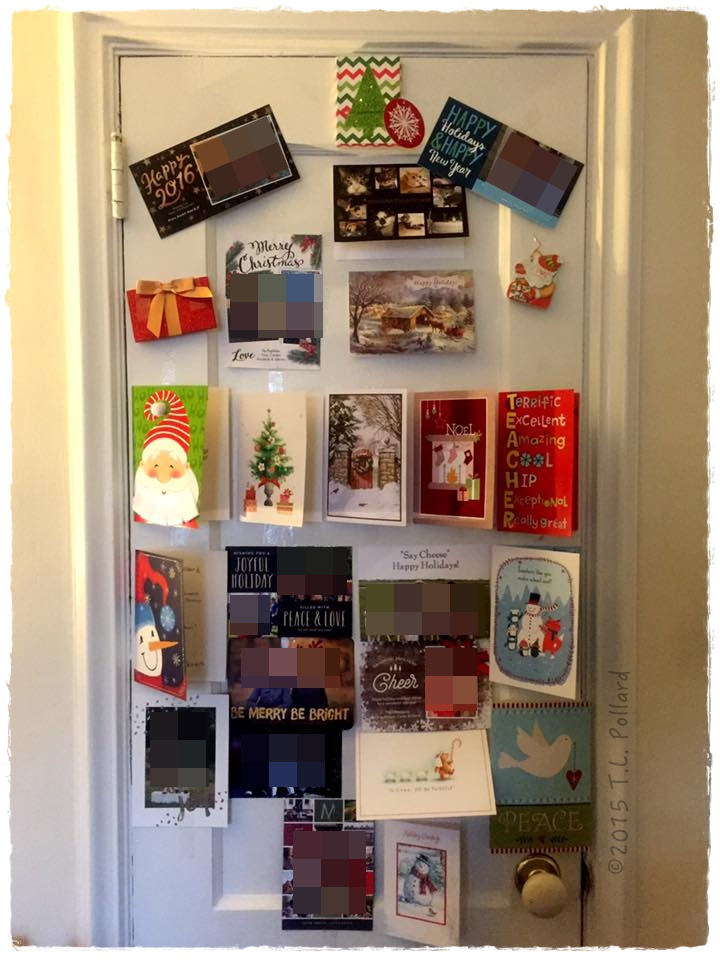3 Easy Christmas Card Door Displays