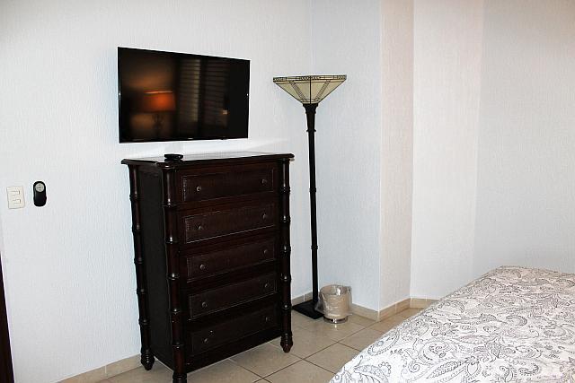 Bedroom 1 - TV