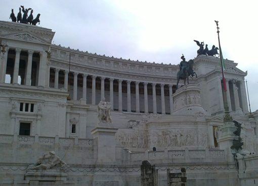 italian parliament building   EconAlerts