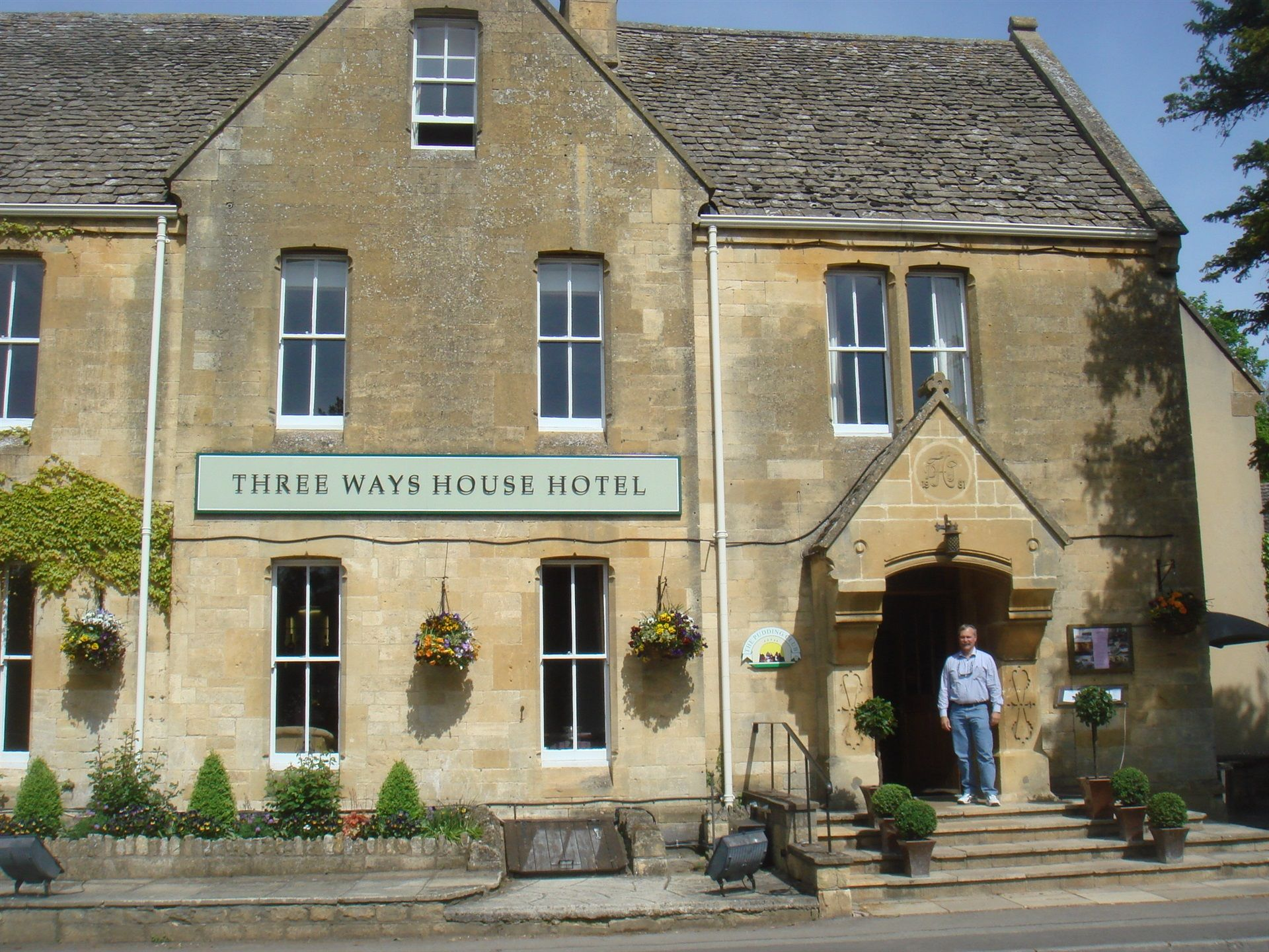 3-ways-house-hotel