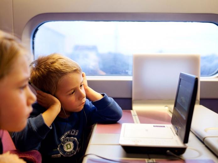 Consejos para viajar en tren con niños