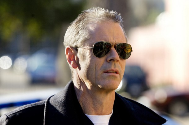 southland fixng a hole c thomas howell a