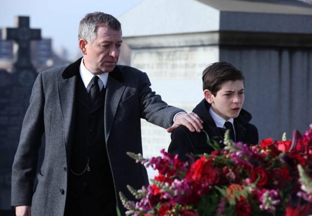 Gotham_pilot_Gotham_Cemetery_0717_hires1