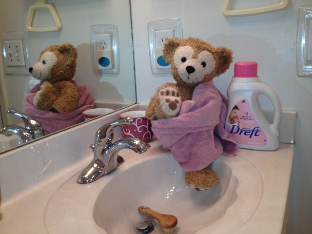 Duffy Braves Bath Time!
